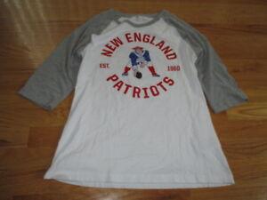Nike NEW ENGLAND PATRIOTS Est 1960 (Girl's LG) T-Shirt Jersey