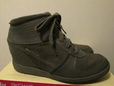 $75 Skechers +3 Charcoal Gray Grey Hidden Wedge Sneakers Booties Shoes 8.5 NEW