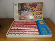 VINTAGE GUESS WHO ? GAME  (complete)