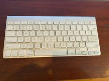 Apple Wireless Bluetooth Keyboard - A1314 - Nice Condition