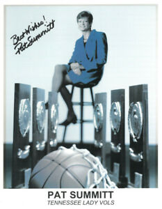 Pat Summitt signed Tennessee Lady Vols/Volunteers National Champs 8.5x11 Photo