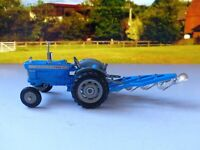 Corgi Gift Set 13: Ford 5000 Super Major Tractor and Plough