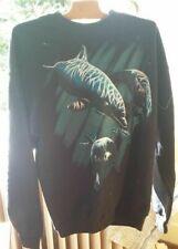 Deux sweat shirts à motif de dauphin et de pygargue (aigle)