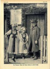 Ein Dachauer Bauer mit seinen Kindern in alter Tracht Historische Memorabile1908