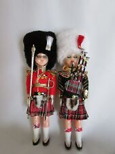 2 Dolls Statues British Soldiers Irish French Scottish Guards Sword Bag-pipes
