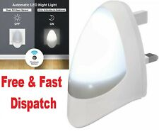 Automatic LED Photocell Sensor Night Light Baby Toddler Child Room Plug in