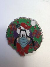 Disney Pin Goofy Mask Pin Christmas Wreath Holiday Fantasy Pin 1 1/2�