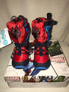 Brand New Stride Rite M2P Marvel Spiderman Boys' Sneakerboot Red US Size 5 M