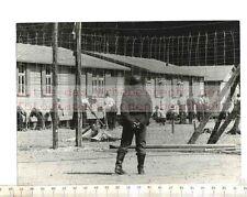 Original Pressefoto: John Sturges-La grande évasion de du Camp de Détention