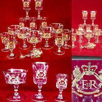 suite de quinze verres à l'or titre E- R décor de lions courounées . XX siècle .