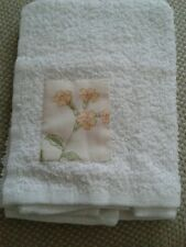 Face cloth flannel towel white flower applique bath wash 100% Cotton NEW