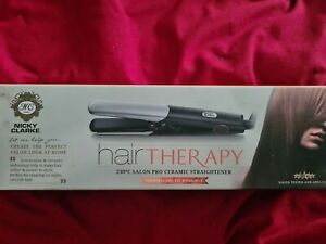 Nicky Clarke NSS042 Hair Therapy Straightener - Black/Silver