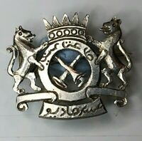 Unidentified north African military pin Badge White Metal 24 x 21 mm