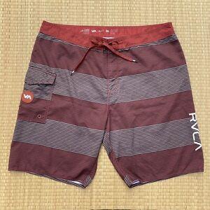 RVCA Classic Non Stretch Board Shorts Red Brown Striped Mens Sz 38