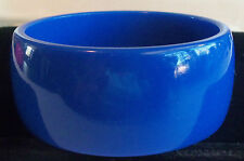 VINTAGE 60's Wide Blue Thermoset Lucite Bangle Bracelet Estate Jewelry 42 Gr