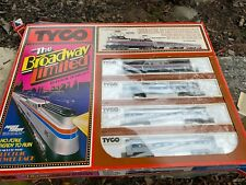 Tyco The Broadway Limited Amtrak Engine W/ 3 Light Up Passenger Cars HO Scale