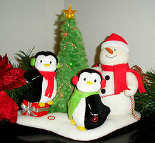 2006 HALLMARK JINGLE PALS VERY MERRY TRIO MUSIC MOTION LIGHTS PLUSH PENGUINS EXC