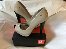 Women Dress shoes By Guess size 7 1/2 New