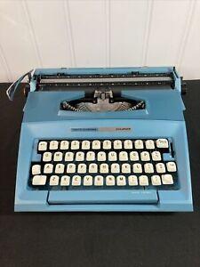 Vtg Smith-Corona Courier C/T Manual Typewriter Portable W/ Case RARE ~Baby Blue~