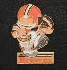 Huddles~Cleveland Browns Pin, Badge~NEW!~NFL~Football Mascot~1980's vintage