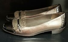 Munro American Womens Brown Bronze Black Patent Leather Low Heel Shoes 7 1/2 W