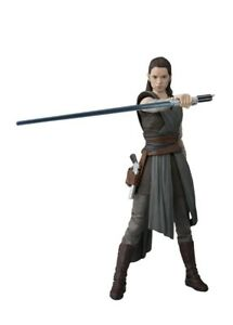 S.H.Figuarts Star Wars THE LAST JEDI REY Action Figure BANDAI NEW from Japan