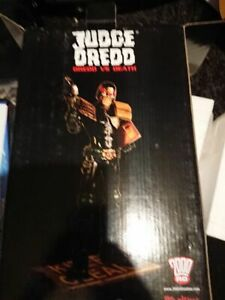 Judge Dredd statue Dredd vs Death rare Rebellion 2000ad