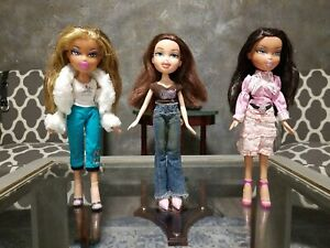 Bratz Doll Lot of 3 With Outfit + Close and Shoes and Handbags.