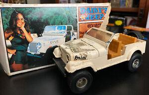 Vintage Ertl Dukes of Hazard 1981 Daisy Duke 1/25 Scale Die Cast Jeep & Mego Box