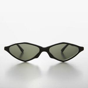 Black Pointy Diamond Futuristic Cat Eye Vintage Sunglass - Nikita