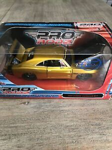 Maisto Pro Rodz 1969 Dodge Charger R/T 1/24 Scale Diecast - 2005