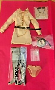 INTEGRITY TOYS FASHION ROYALTY POPPY PARKER OUTBACK WALKABOUT ACCESSORIES ONLY