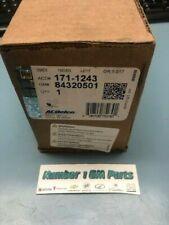 Genuine GM 84320501 Original Equipment Front Disc Brake Pad Set