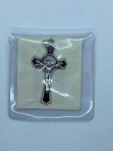 Ciondolo Croce Con Medaglia Di San Benedetto Nera Smaltata.