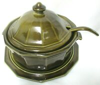 Heritage by PFALTZGRAFF Tureen w/ Lid Ladle and Plate Vintage Stoneware 4 piece