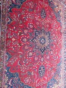 A SPECTACULAR OLD HANDMADE TRADITIONAL ORIENTAL CARPET (375 x 280 cm)