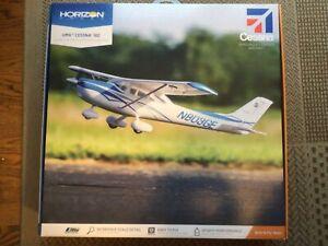 E-Flite UMX Cessna 182 BNF 635mm EFLU5650 AS3X RC Airplane Bind N Fly SAFE RTF