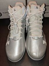 Youth Under Armour White baseball Cleats sz. 4.5. Mlb Authentic collection.