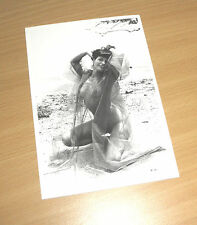 BETTY PAGE Queen of Burlesque Erotik Postcard PIN UP NUDE BEAUTY AT THE BEACH