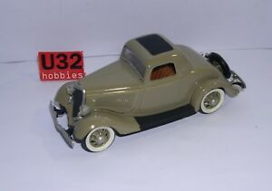 Lindberg 21119 N Gauge Building Kit 1/32 57' Ford Coupe Mounted
