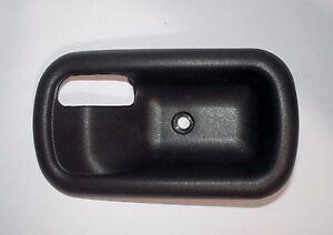 FIAT PUNTO MK1/ GHIERA MANIGLIA APRIPORTA DESTRA/ RIGHT HANDLE DOOR FRAME