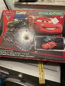 CARS 2 MICRO SCALEXTRIC DISNEY PIXAR Track Power Adaptor 2 Throttles +2 SLOT CAR