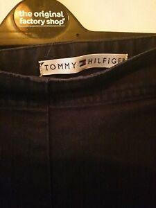 Tommy Hilfiger Size 12 Ladies capri trousers
