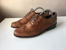 CLARKS ladies brown leather brogue shoes size 7
