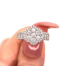 1.40ct Round Brilliant Cut Diamond Flower Cluster Right-Hand Ring in 14k Gold