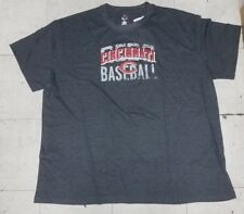 Cincinnati Red's Baseball Men's Majestic T-shirt New With Tags