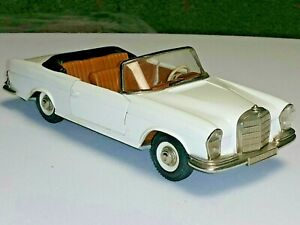 VINTAGE SCHUCO GIRATO 4000 MERCEDES 250 SE THE ORIG. WESTERN GERMANY TOY CAR