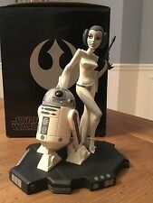 Star Wars Princess Leia+R2-D2 black and white animated maquette statue
