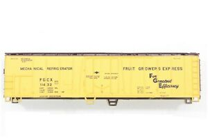 HO Athearn Fruit Growers Express (FGE)  50ft Mechanical Refrigerator New Kit