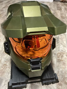 Halo 3 Legendary Edition Master Chief Helmet And Stand (No Game)
